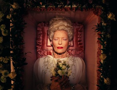 grand-budapest-hotel-shows-tilda-swinton-in-casket